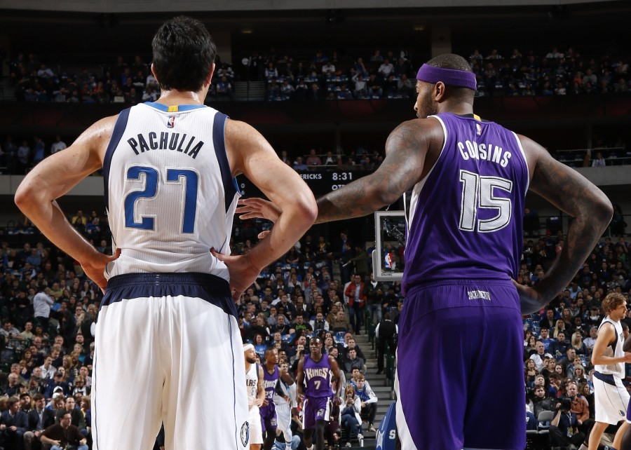 DALLAS, TX - JANUARY 5: Zaza Pachulia #27 of the Dallas Mavericks squares off against DeMarcus Cousins #15 of the Sacramento Kings on January 5, 2016 at the American Airlines Center in Dallas, Texas. NOTE TO USER: User expressly acknowledges and agrees that, by downloading and or using this photograph, User is consenting to the terms and conditions of the Getty Images License Agreement. Mandatory Copyright Notice: Copyright 2016 NBAE (Photo by Glenn James/NBAE via Getty Images)