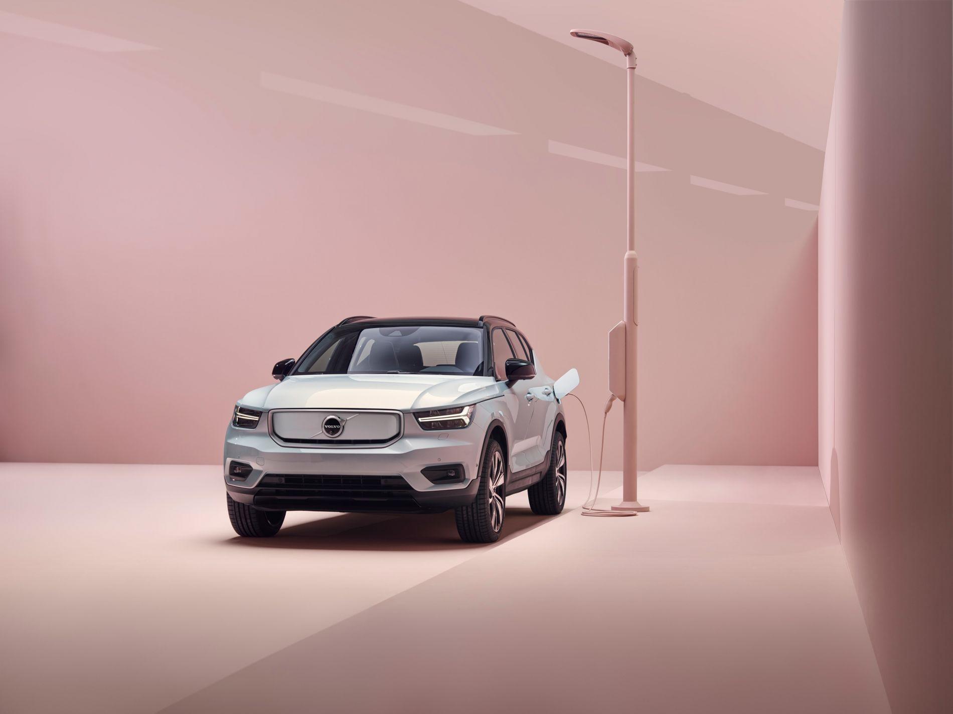 გაიცანით Volvo-ს პირველი ელექტრო კროსოვერი