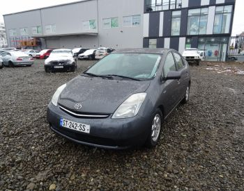 Վաճառվում է TOYOTA Prius