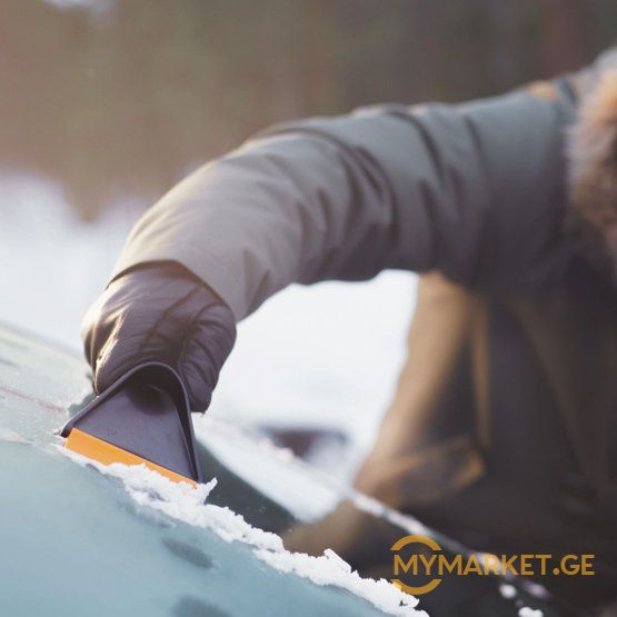 Fiskars Solid ice scraper